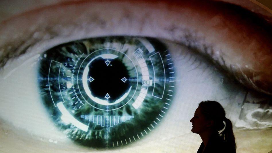 Übergroßes Auge: US-Geheimdienste analysieren die globale Handydaten