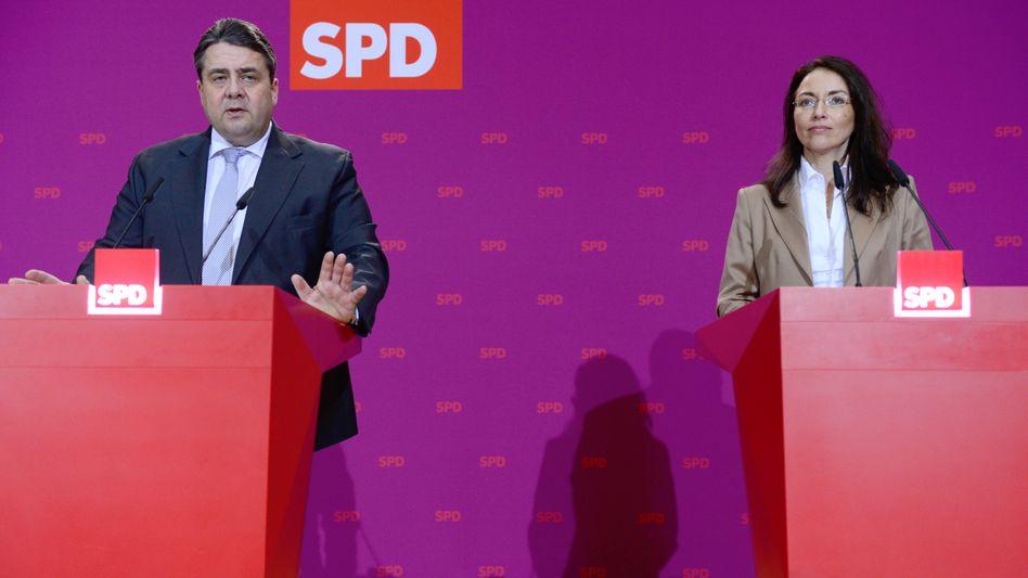 SPD-Chef Gabriel, Generalsekretärin Fahimi: Für wen gilt der Mindestlohn?