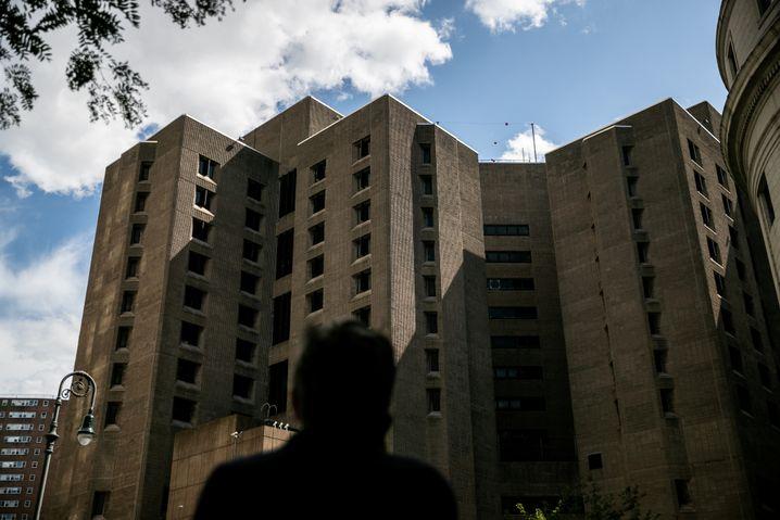 Das Metropolitan Correctional Center in Manhattan, wo Epstein starb