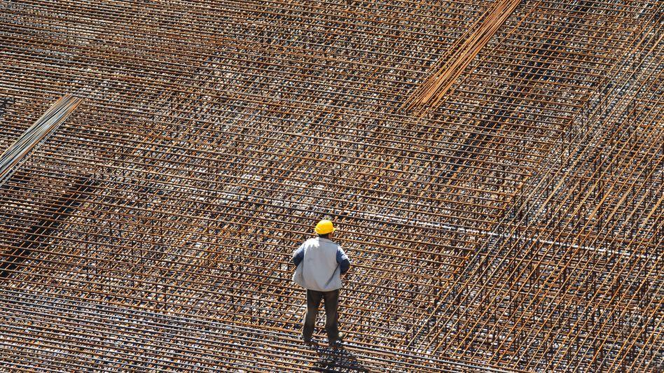 Arbeiter auf einer Baustelle in Schwerin, Mecklenburg-Vorpommern