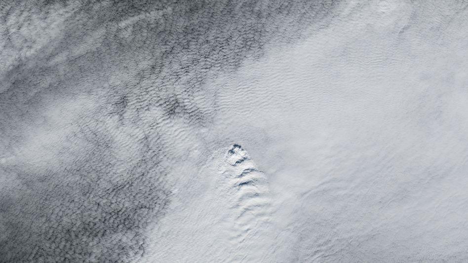 Satellitenbild der Nasa: Die Wellenwolken haben einen heißen Ursprung