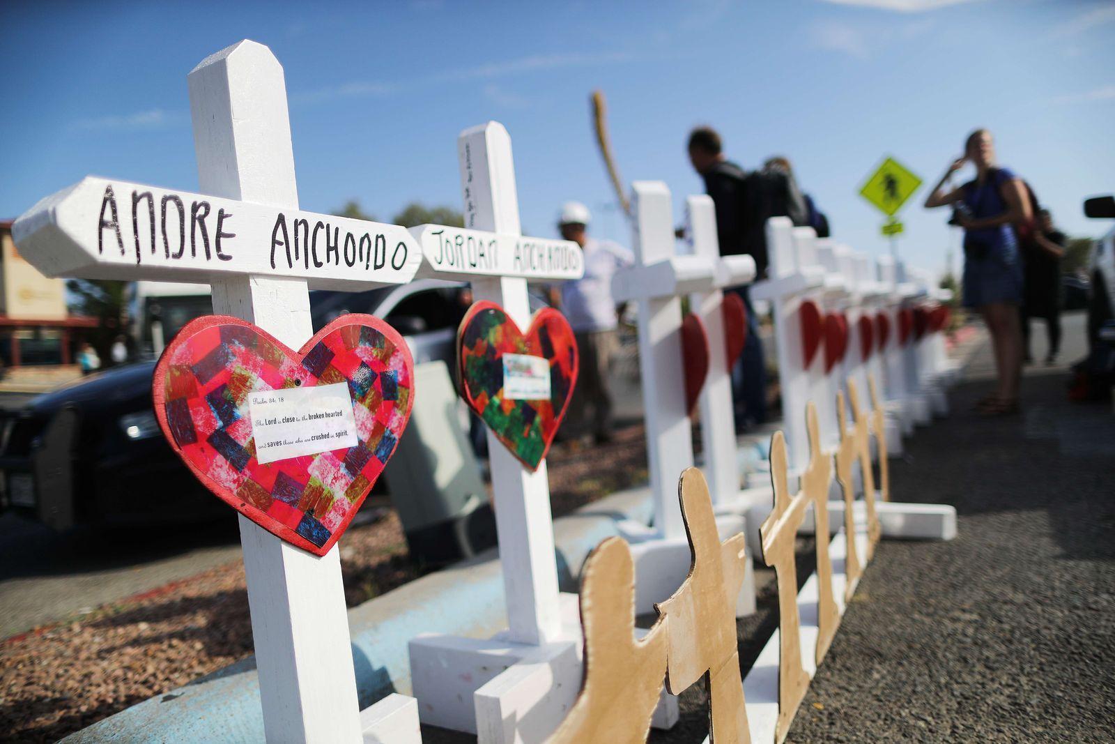El Paso / Kreuze / Opfer