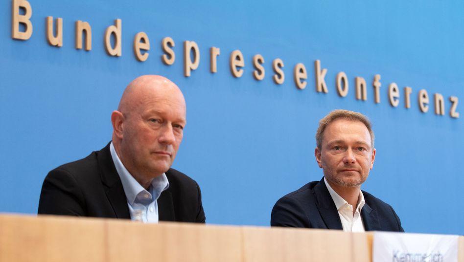 FDP-Spitzenkandidat Thomas Kemmerich und FDP-Chef Christian Lindner: Die Liberalen müssen um den Einzug in den Landtag bangen