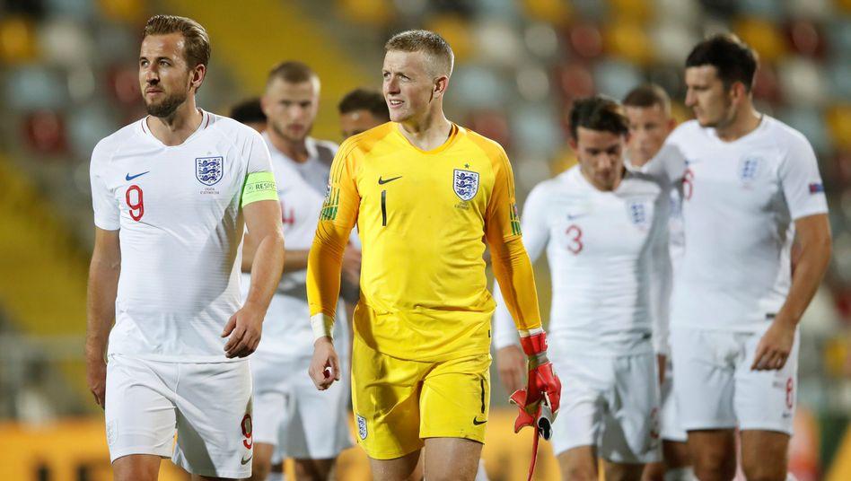 Englische Spieler nach dem 0:0 in Kroatien