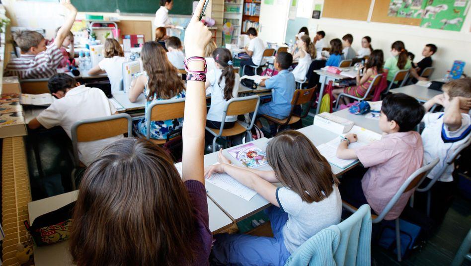 Französische Schulklasse (Archiv): Schläge auf den Po als Hilfe beim Nachdenken?