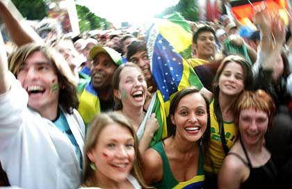 WM 2006: Wenn künftig Großevents kreuz und quer um die Welt streamen, wer legt dann die passende Werbung auf?