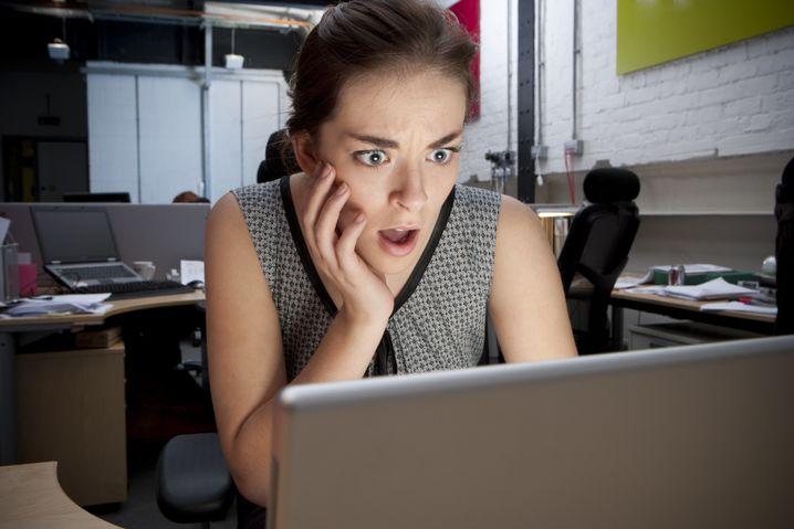 Aufdringliche E-Mails vom Kollegen? Stalker dürfen fristlos gekündigt werden
