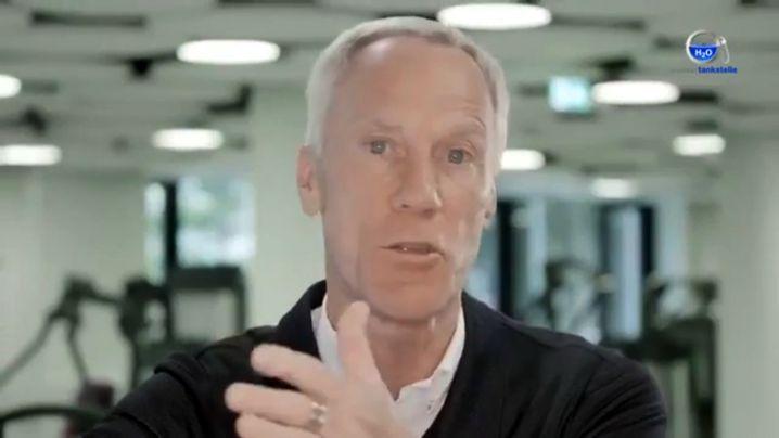 """Froböse im Video: """"Es ist ein neutraler Film über Wasser"""""""