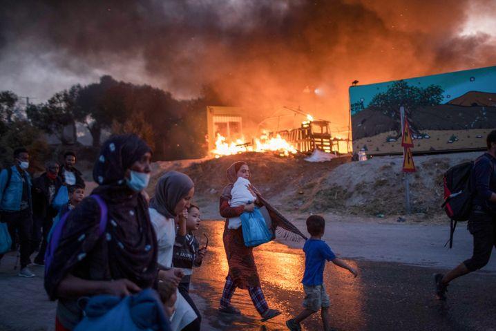 Großbrände haben das Lager Moria weitgehend zerstört