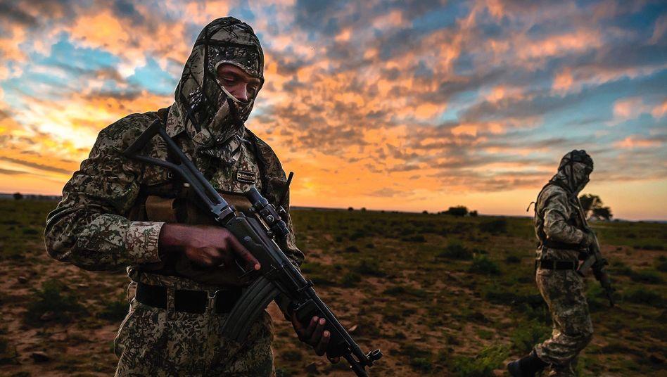 Anti-Wilderer-Einheit auf einer südafrikanischen Nashornfarm:Spielplatz für Rassisten
