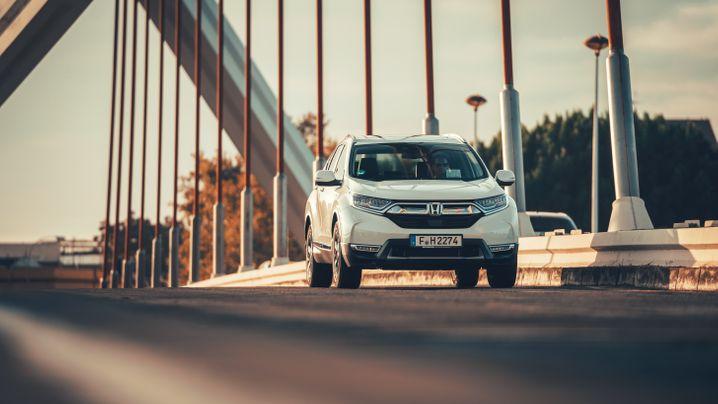 Autogramm Honda CR-V Hybrid: Strom aus Sprit