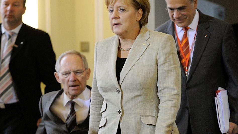 Kanzlerin Merkel, Finanzminister Schäuble: Vom Grundsätzlichen ins Kleinklein und zurück