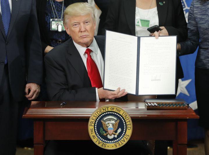 Donald Trump und sein neues Anti-Einwanderungs-Dekret
