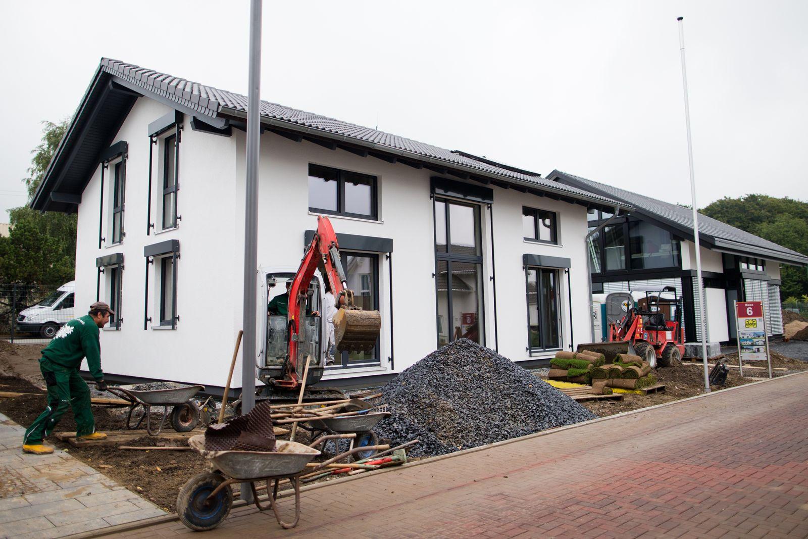 Bauspar / Bausparen / Fertighauswelt in Wuppertal