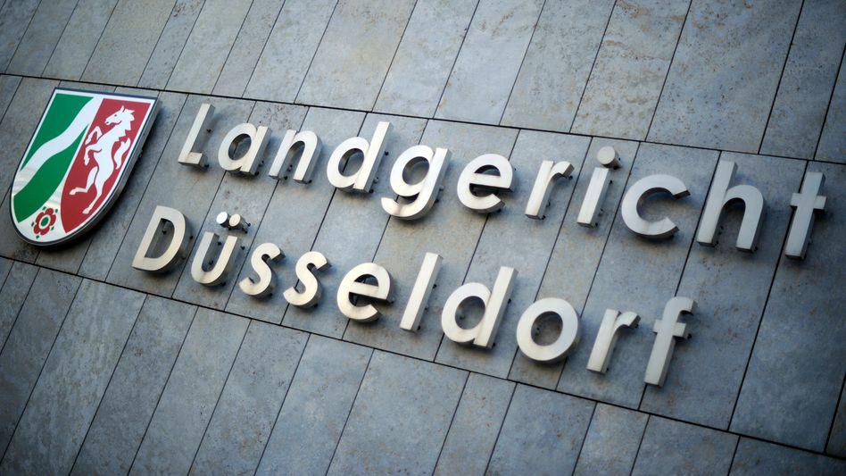 Eingang zum Landgericht Düsseldorf