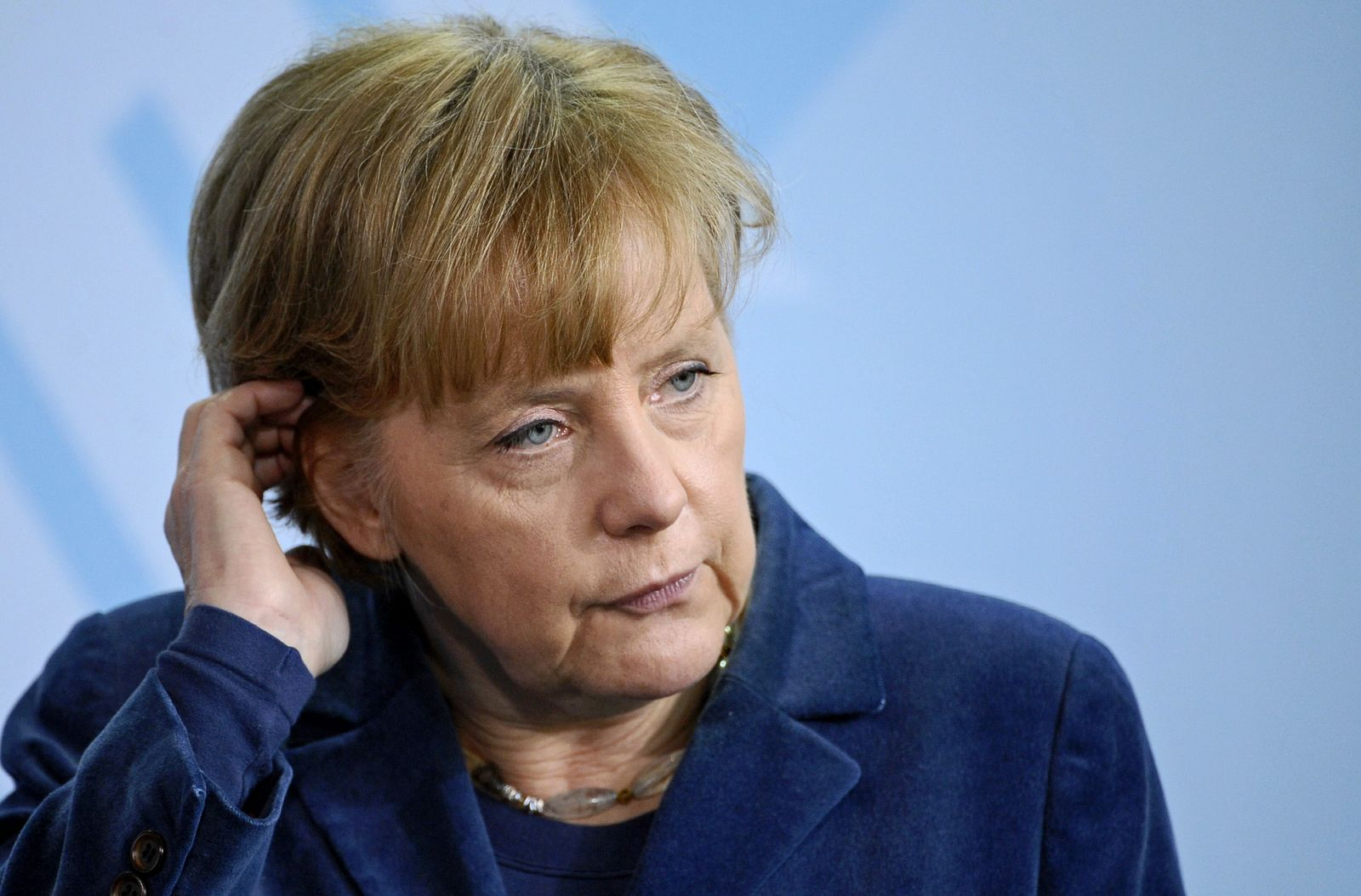 NICHT VERWENDEN Merkel besorgt