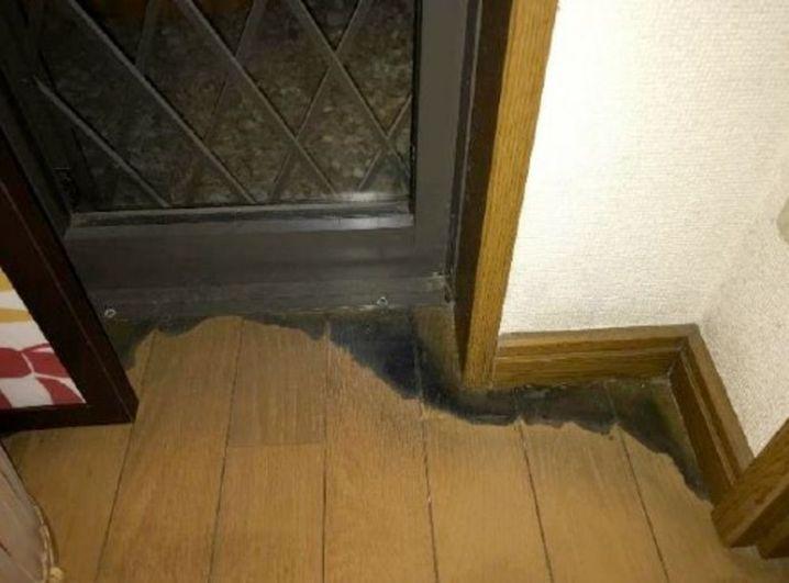 Bild des Holzbodens in der Wohnung des Patienten