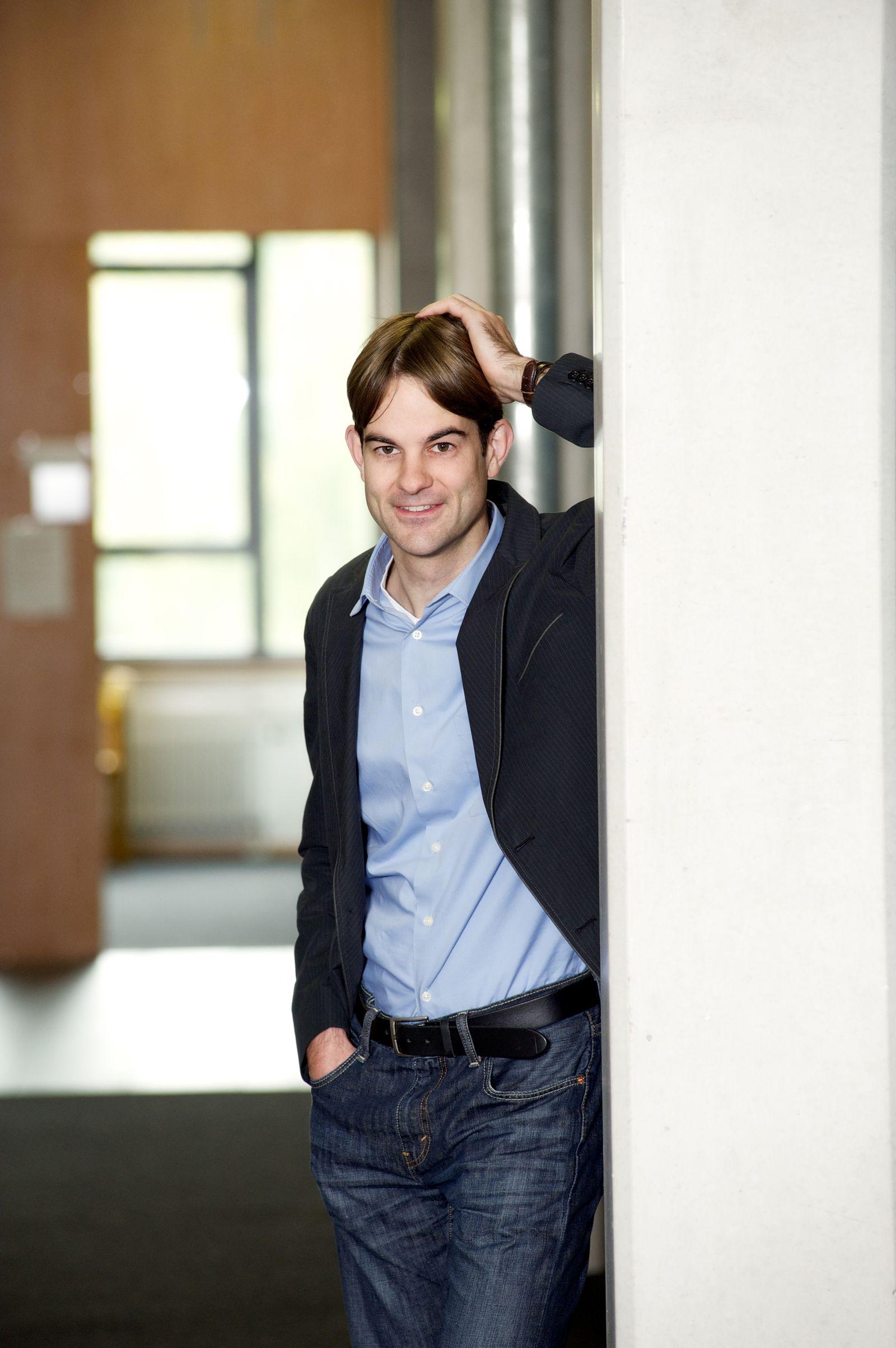 EINMALIGE VERWENDUNG Prof. Nils B. Weidmann