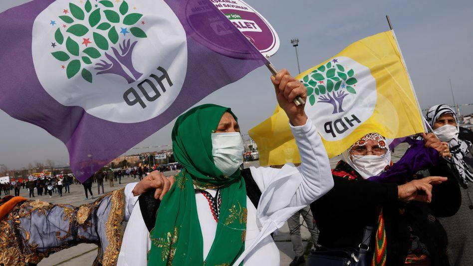 HDP-Anhängerin bei einer Kundgebung im März in Istanbul