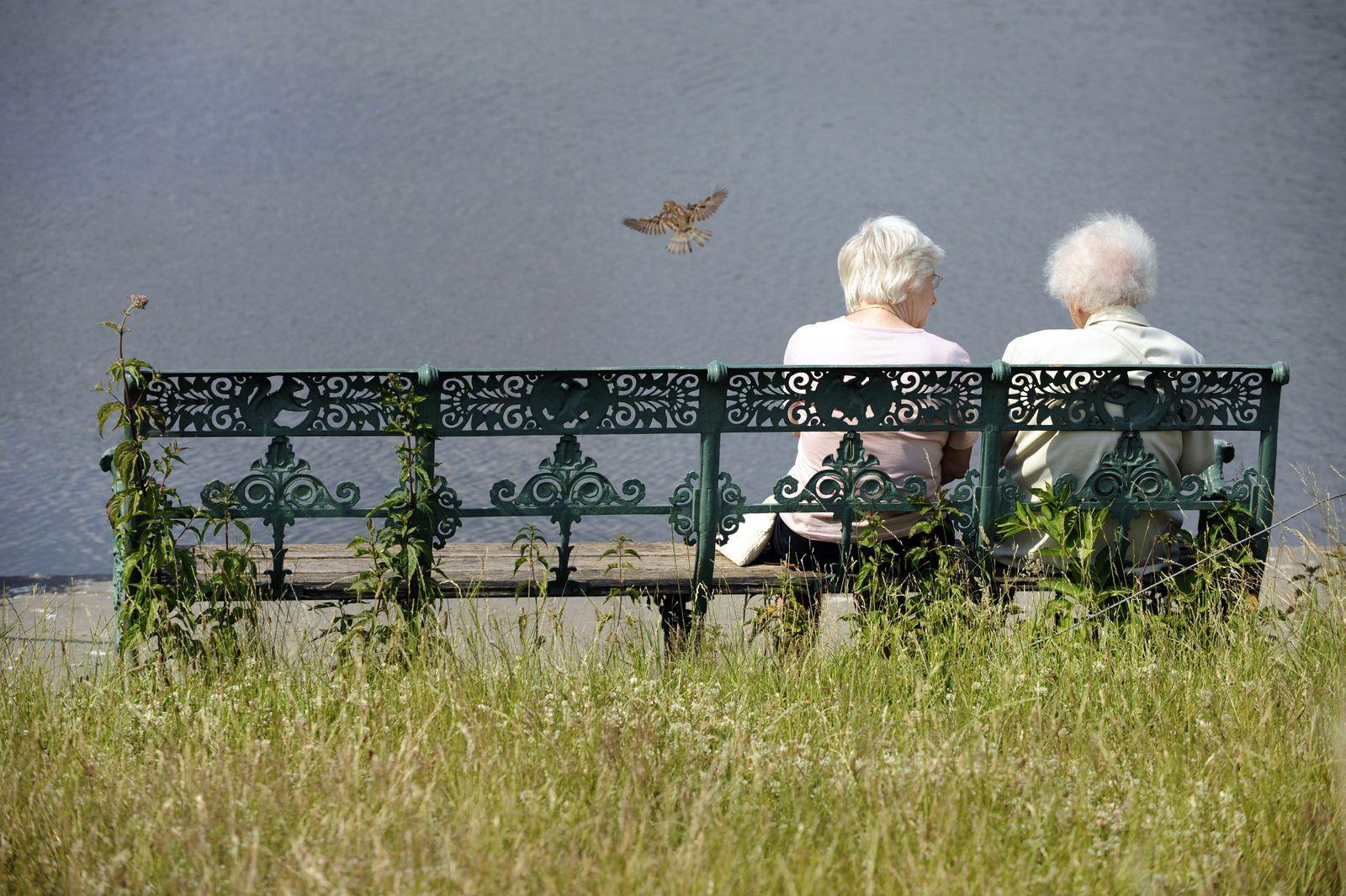 Rentner / Rente / Senioren / Lebensversicherung