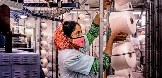 Bangladeshi Seamstresses Struggle for Survival amid Factory Closures