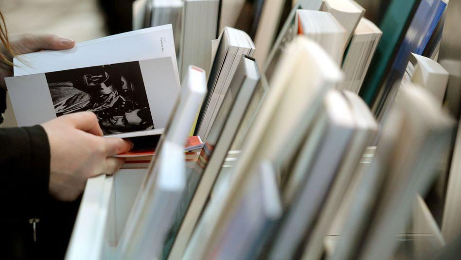 Besucher auf der Buchmesse in Leipzig