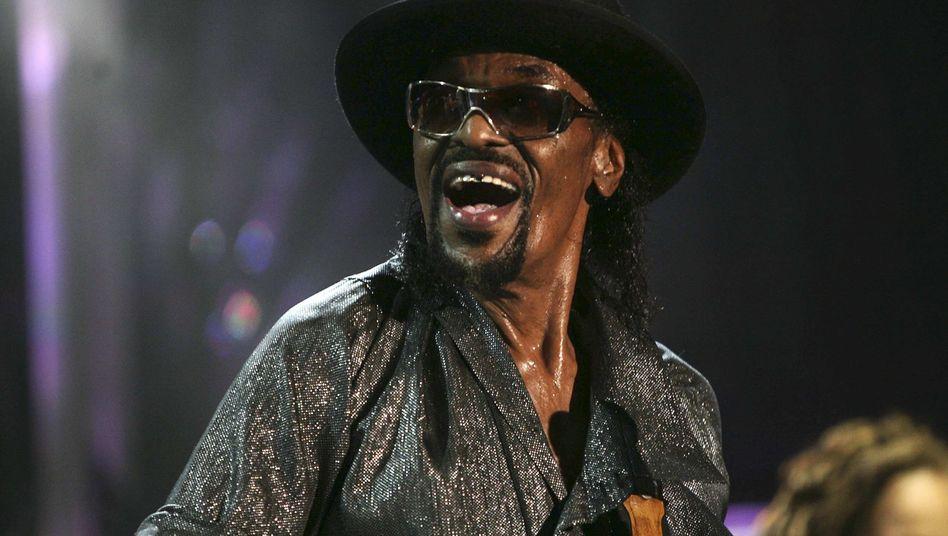 """Brown beim St. Lucia Jazz Festival auf Pigeon Island: """"Wind me up, Chuck!"""""""