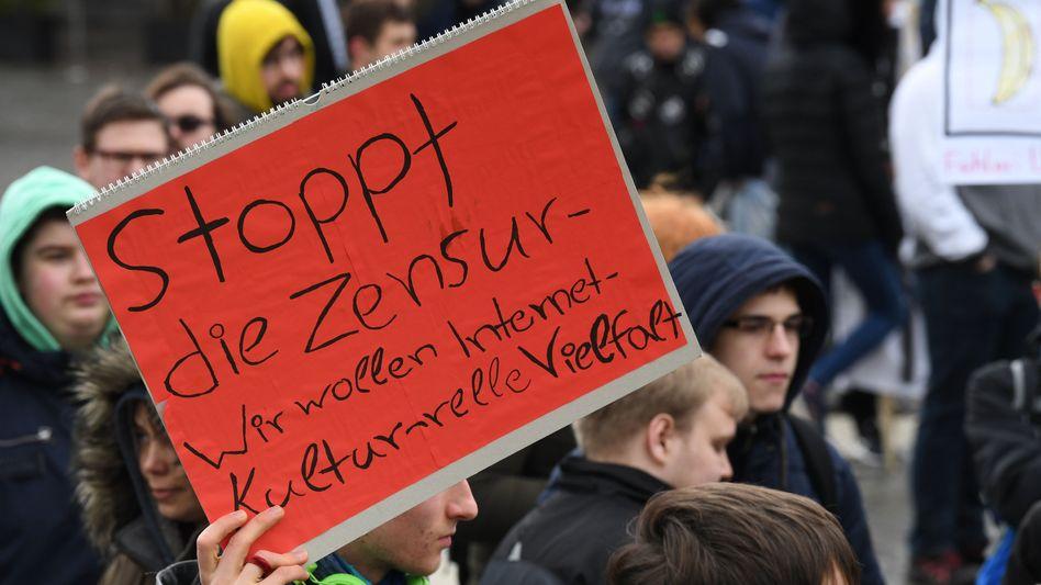 Demonstration gegen die geplante EU-Urheberrechtsreform in Bremen