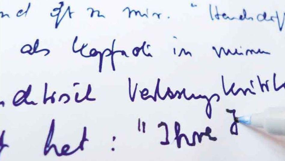 """Was wollen uns diese Zeilen in des Autors Handschrift sagen? Seine Studenten werden sehr deutlich: """"Ihre Handschrift ist gruselig"""""""