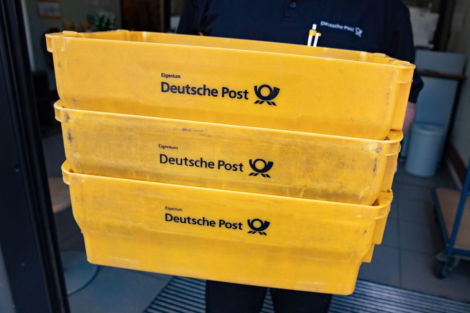 Post Postkisten