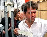 Abschied: Zum (vorerst) letzten Mal sahen die Österreicher Christoph Schlingensief hinter Gittern