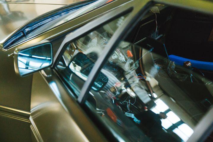 Blick ins Cockpit des kapriziösen Luxusschlittens