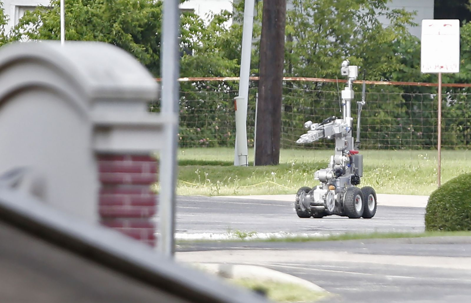 Dallas / Robot