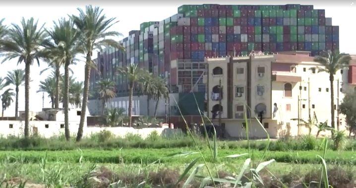 Rund 18.000 Container sollen sich auf dem Schiff befinden. Die Eigentümer der Ware werden jetzt zur Kasse gebeten.