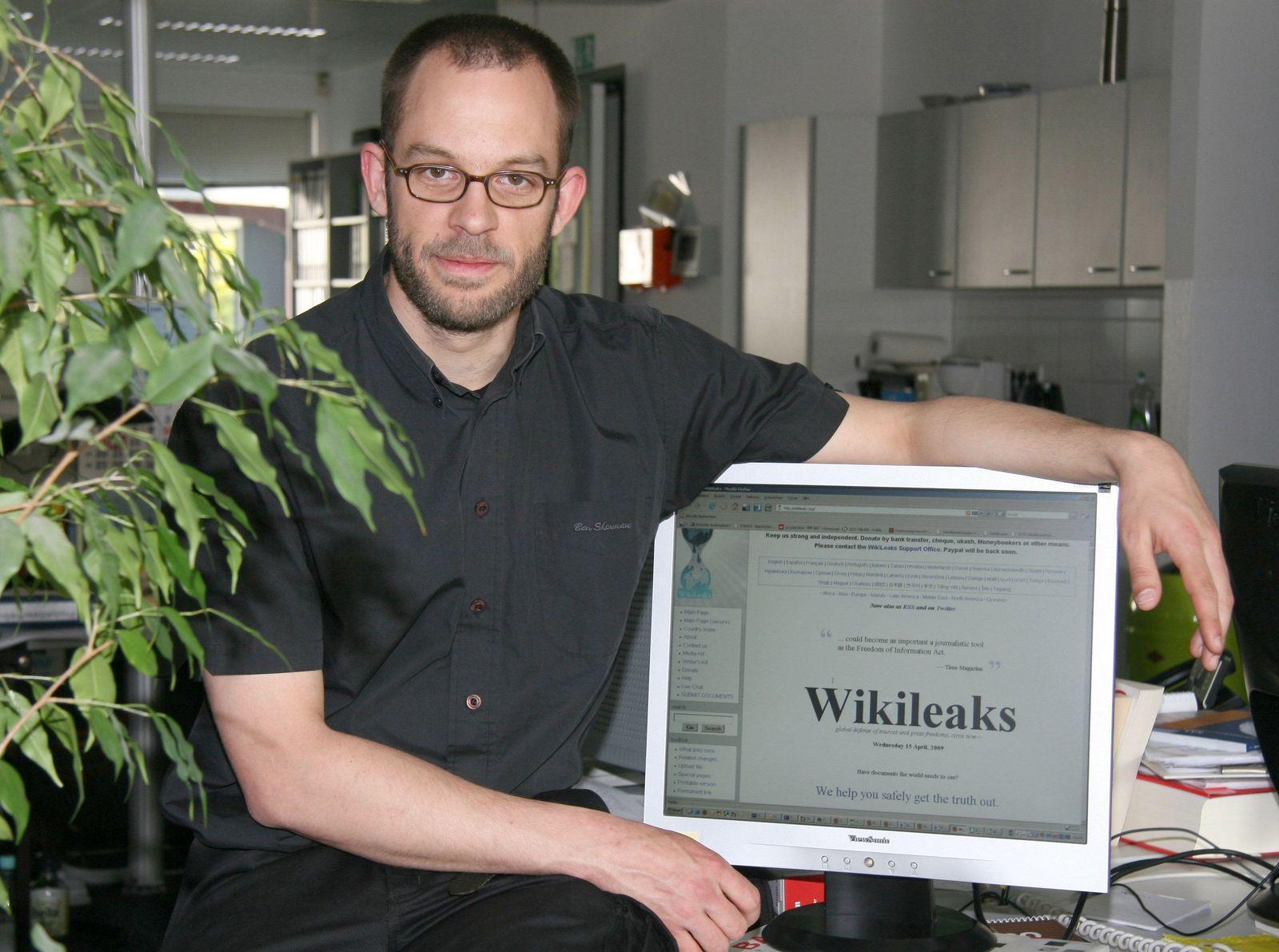 Wikileaks - Daniel Schmitt