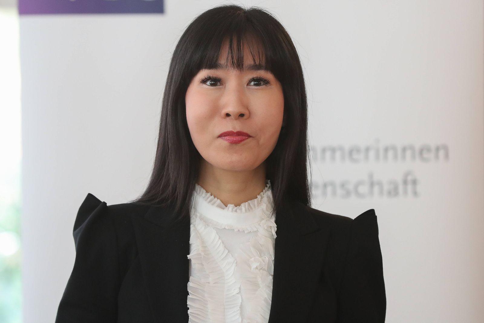 Hannover, 12.02.2020, VDU-Soyeon Schröder-Kim hält einen Vortrag zum Thema Deutschland und Korea - Partner für eine inn