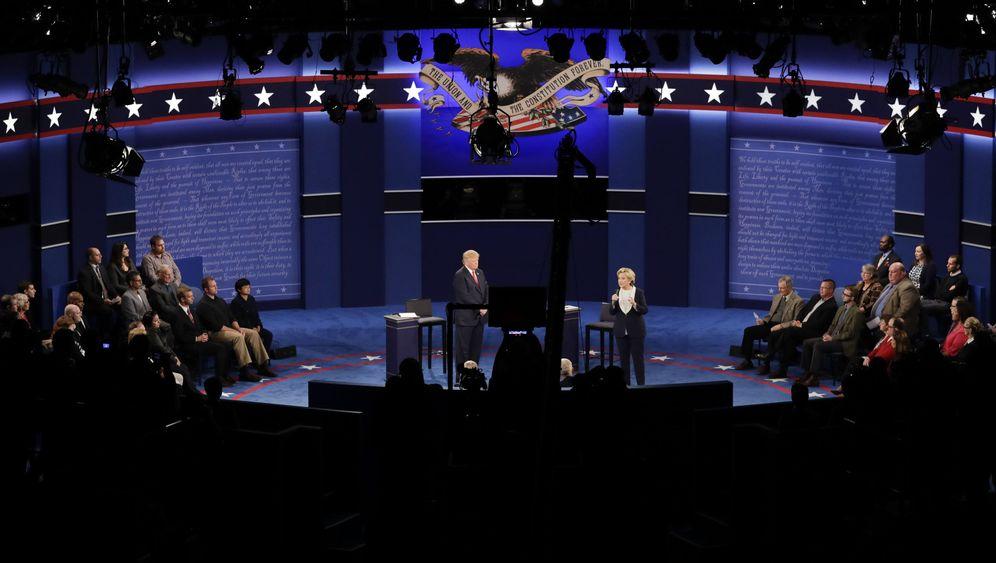 Fotostrecke: Clinton vs. Trump - das zweite TV-Duell