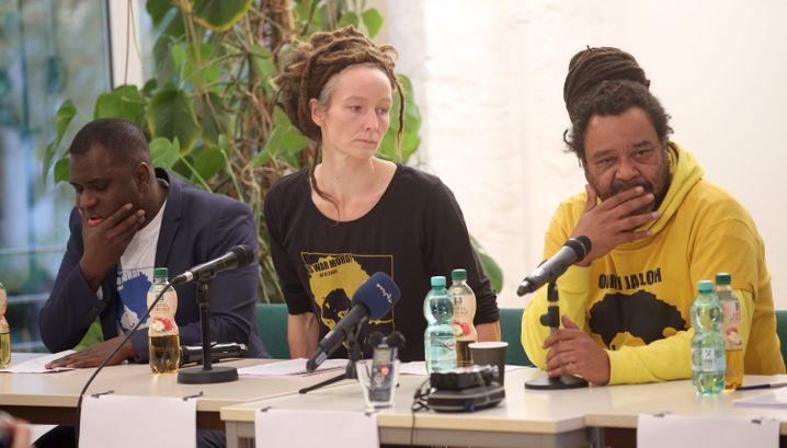 Mitglieder der Jalloh-Initiative in Berlin