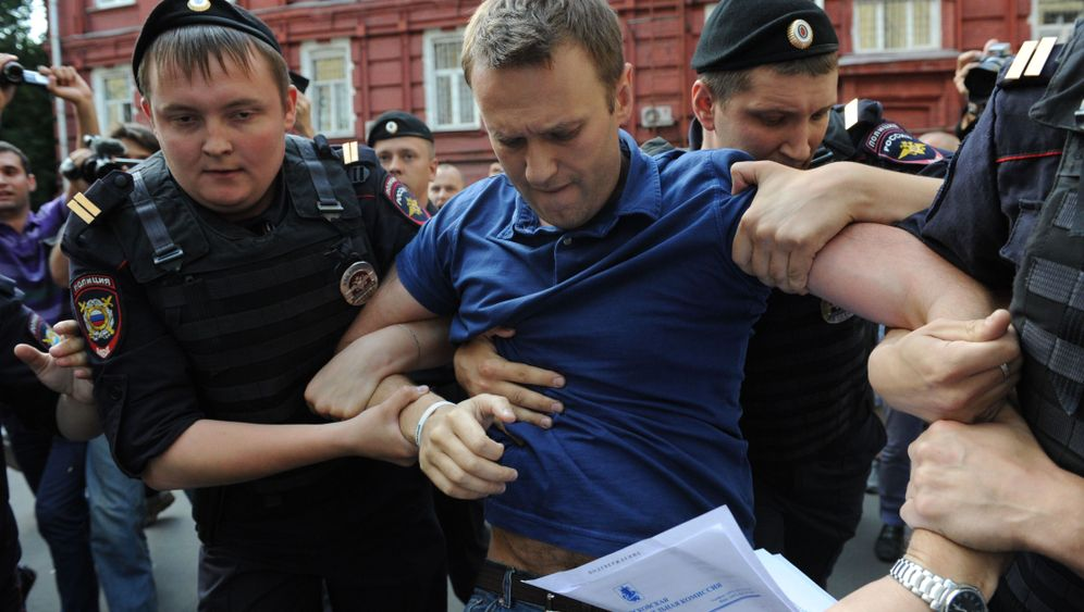 Photo Gallery: Navalny on Trial in Russia