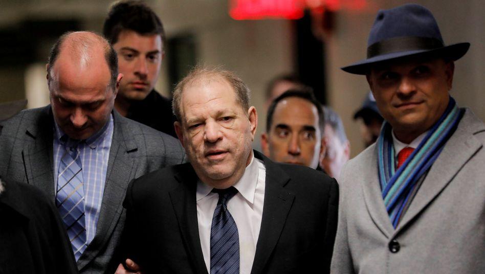 Harvey Weinstein: Diesmal ohne Rollator