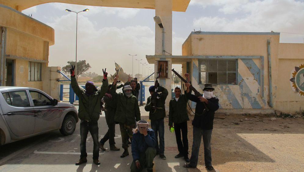 Befreites Tobruk: Sturm auf die Symbole der Unterdrückung