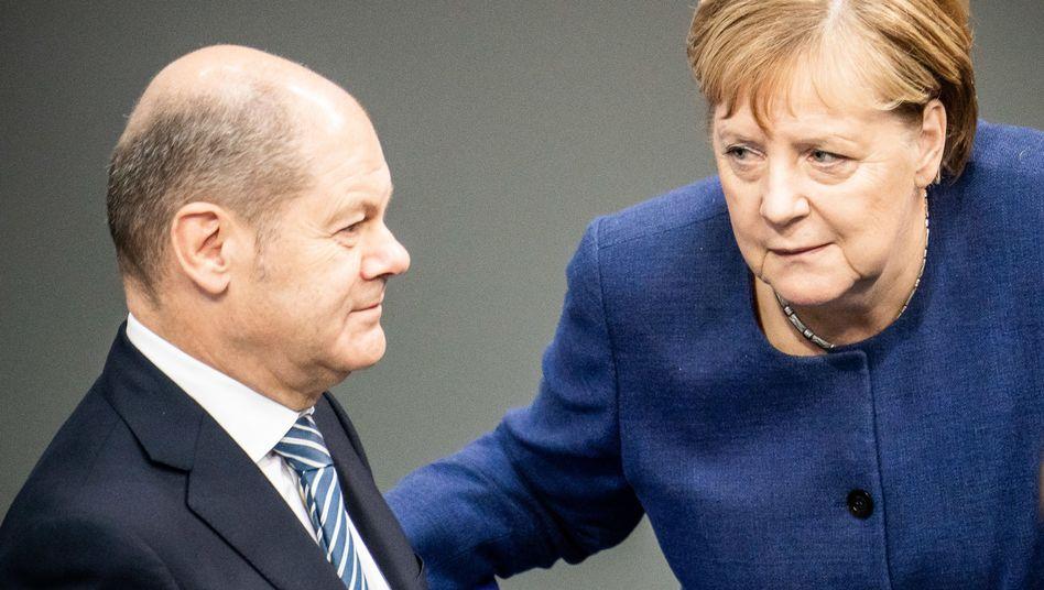 Bundeskanzlerin Angela Merkel (CDU, r.), Vizekanzler Olaf Scholz (SPD, l.): Für den Fall des Regierungsbruchs könnte sie guten Gewissens sagen: Das war's