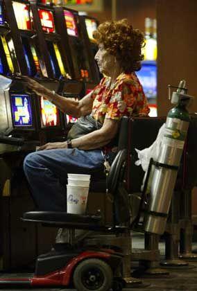 """Spielautomat: """"In dreieinhalb Stunden Arbeitslosengeld II verspielen"""""""