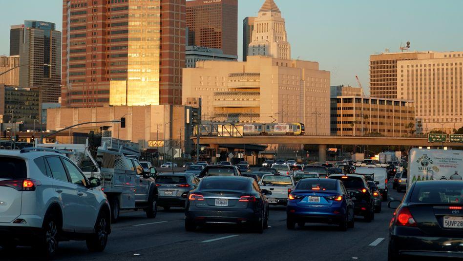 Stau auf einem Highway bei Los Angeles
