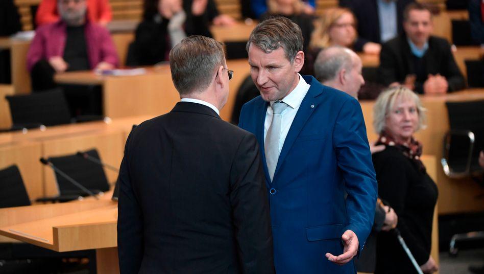 Handschlag nein, kurzes Gespräch ja: Ramelow und Höcke nach der Wahl