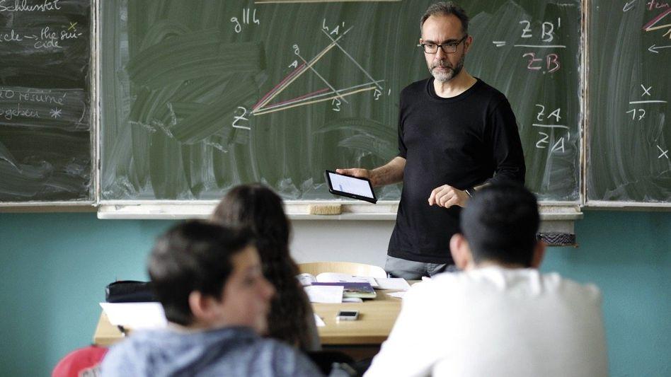 Mathematiklehrer Kurz: Bis zu 100 Nachrichten am Tag