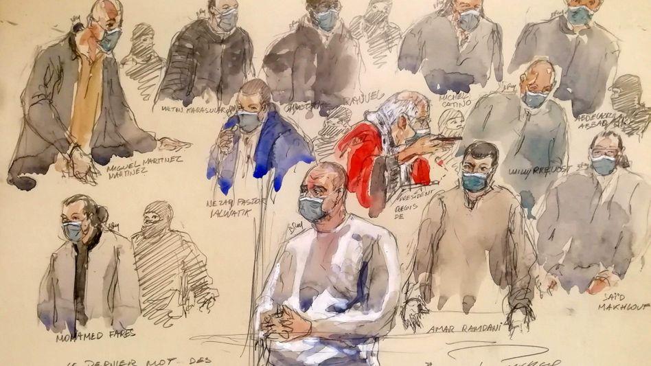 Hauptangeklagter Ali Riza Polat (M.), Prozessbeteiligte am 14. Dezember (Zeichnung aus dem Gerichtssaal)