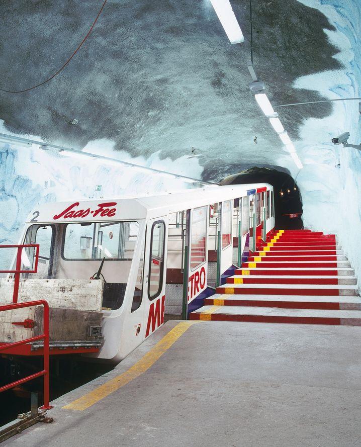 Eher H- als U-Bahn: Die Metro Alpin in Saas Fee
