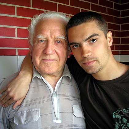 Der Alte und sein Tunichtgut: Dima, 79, mit Raphael, 20