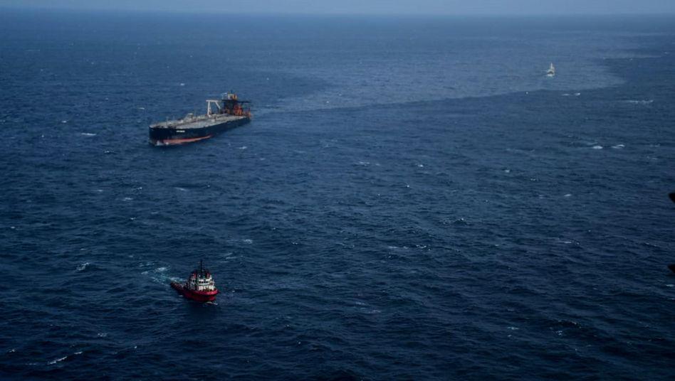 "Luftaufnahme des Öltankers ""New Diamond"""